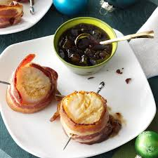 Bacon-Wrapped Scallops with Pear Sauce ...