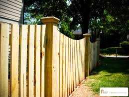 Traditional Scalloped Picket Fence With 6x6 Posts Backyard Fences Wood Picket Fence Front Yard Fence