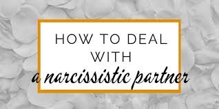 how to live with a narcissist and