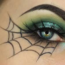 easy makeup spiderweb eyeliner for a