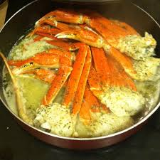 Crab Legs with Garlic Butter Sauce ...
