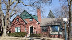 warren buffett s house in now on airbnb marketwatch