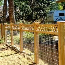 Dog Fence Perfect Example Of What I Want For My Chicken Wire Wire Mesh Fencing A More Long Term Temporary Fix Fence Planning Fence Options Front Yard Fence