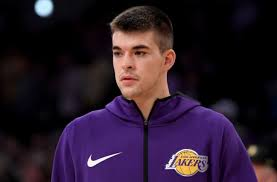 Los Angeles Lakers: Giving up on Ivica Zubac makes no sense