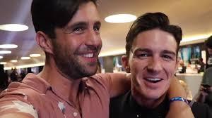 Josh Peck & Drake Bell Joke About Wedding Snub In VMAs Reunion ...