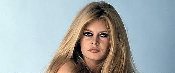 1971 : Bardot érotise la République en prêtant ses traits à Marianne -  midilibre.fr
