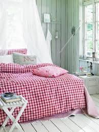 country style gingham bed linen