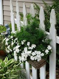 Hanging Basket Ideas Outdoor 40 Photo Original Solutions In 2020 Picket Fence Garden White Picket Fence Garden Containers
