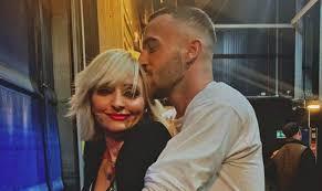 Veronica Peparini e Andreas Muller un bacio rende pubblico l'amore