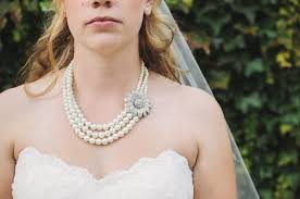 File:London bride with pearls (Unsplash).jpg - Wikimedia Commons