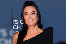 Kyle Richards Has Outdoor Movie Night in Aspen   Style & Living