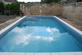 repairing swimming pool leaks