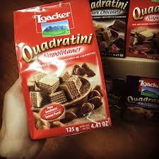 LOACKER là nhãn hiệu bánh xốp nổi tiếng... - Bánh kẹo chocolate nhập ngoại