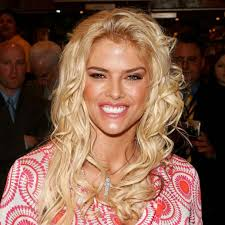 Anna Nicole Smith documentary's inside look at her relationship with Larry  Birkhead | GMA