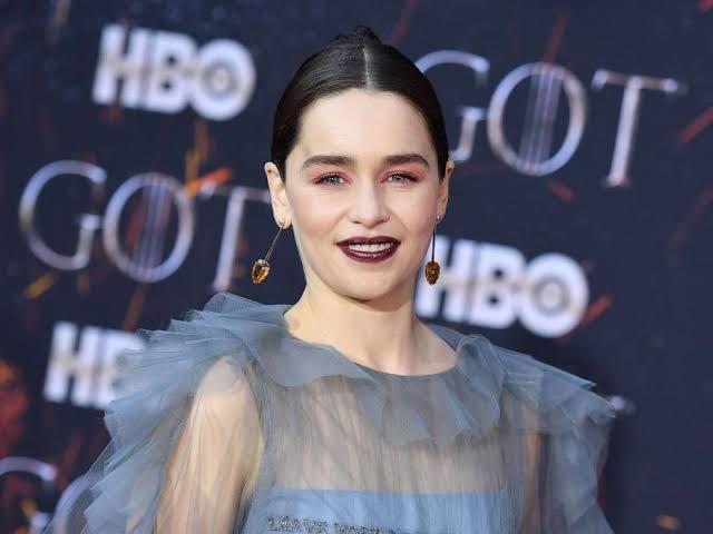"""Emilia Clarke ile ilgili görsel sonucu"""""""
