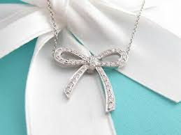 diamond platinum bow pendant necklace