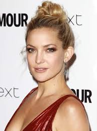 makeup looks to wear with red dresses