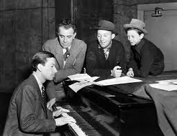 Hoagy Carmichael, Director Wesley Ruggles, Bing Crosby and Donald O´Connor.  | Donald o'connor, Old movie stars, Hoagy carmichael