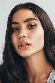 light makeup looks for black skin