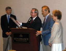 Union presents M.E. Dodd Award to Adrian Rogers - News Release | Union  University, a Christian College in Tennessee