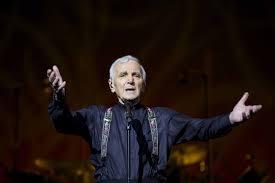Muore a 94 anni il celebre cantante Aznavour