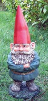 ultimate guide to garden gnomes