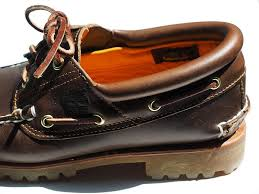 remove oil stains from leather shoes