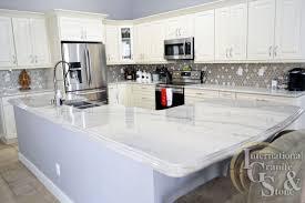 white quartzite kitchen countertops in