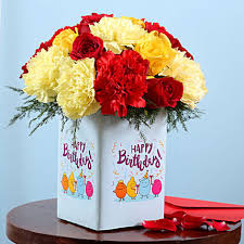 Birthday Flower Vase Surprise Gift Online Birthday Flowers Ferns N Petals