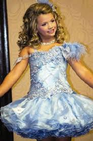 7-year-old Woodlands pageant queen an international superstar - The Courier