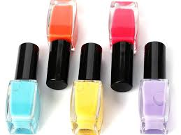 7 helpful tips to prevent nail polish