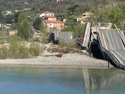 Albiano Magra, crolla ponte: tremendo boato, paura tra la gente ...