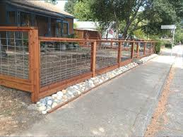 Ubi Fence Redwood Hog Wire Metal Fence