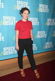 sarah-steele-at-speech-debate-premiere-in-new-york-04-02-2017_4 – HawtCelebs