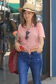 Katja Herbers – Shopping in Beverly Hills - FamousFix