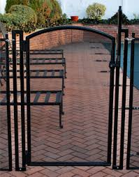 2 5 Ft W X 4 Ft H Pool Fence Diy Gate In Black With Self Closing Self Latching Hardware Arch Top Pool Fence Diy