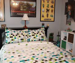 create a minecraft bedroom for your