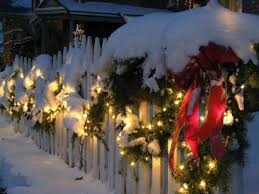 26 Super Cool Outdoor Decor Ideas With Christmas Lights Digsdigs
