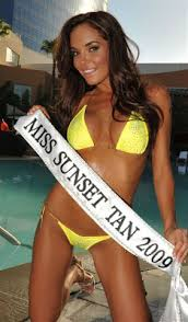 House of H2o: Miss Sunset Tan, HILLARY FISHER
