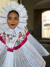 traditional mexican gancho embroidery