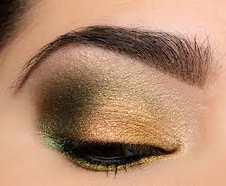 green eye with too faced chocolate gold