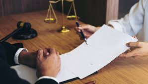 Do I Need a Labor Lawyer?   Deputy®