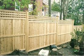 Privacy Fence Lattice Top Staggerred Modern Design 1000 In 2020 Fence Design Fence Styles Wood Fence