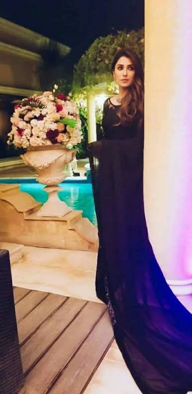 Image result for ayeza khanin black sari""
