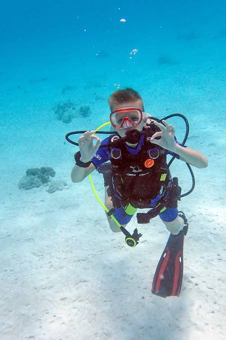 junior scuba diving