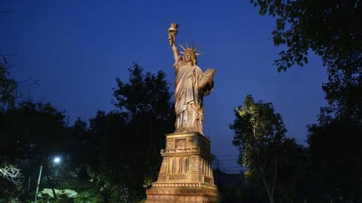 Image result for The Replica of the USA's Statue of Liberty in waste of wonder
