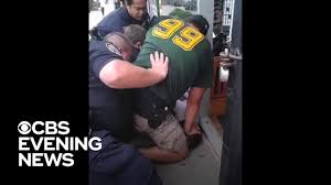 Officer involved in Eric Garner's death won't face federal charges ...