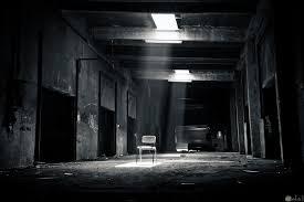 صور أبيض وأسود حزينة بدون كلام