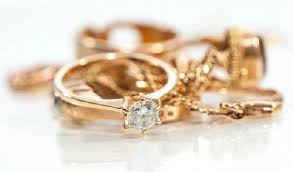 how to clean gold jewelry the right way