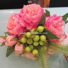 وردة الربيع وردة مصنوعة من الماس والقرنفل مختلطة باقة الزفاف
